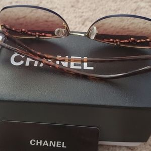 CHANEL Other - Womens Sunglasses